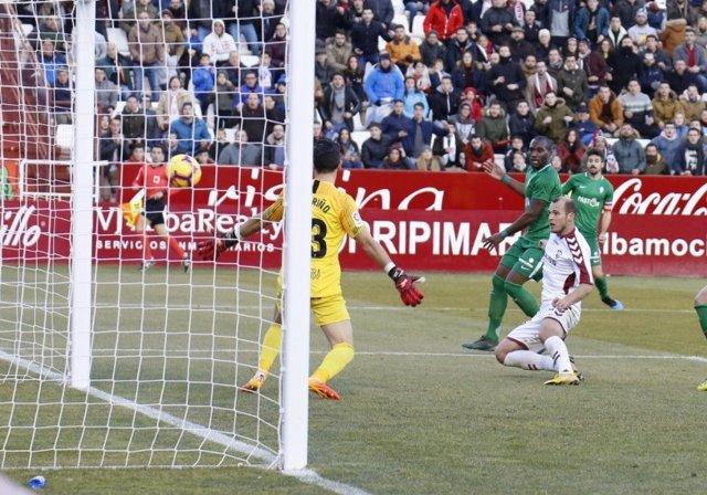 El jugador de l'Albacete Roman Zozulya