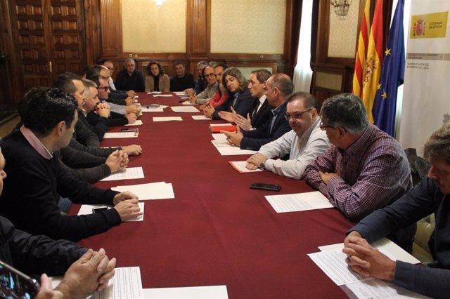Reunió de José Crespín amb representants de la Plataforma per a la Defensa de la Fruita Dolça, dels sindicats Unió de Pagesos, Asaja, Jarc i Afrucat