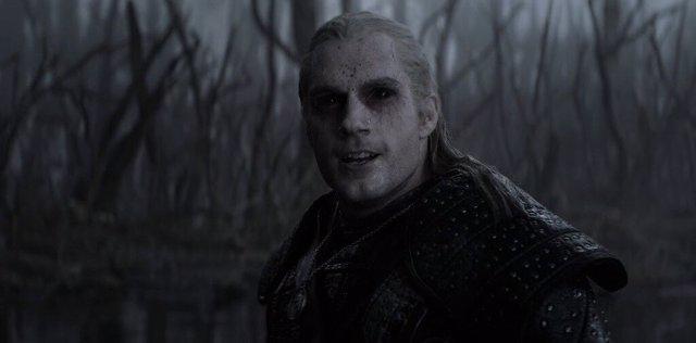 Henry Cavill como Geralt de Rivia