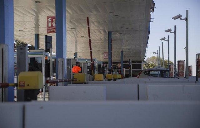 Autopista de peatge Sevilla - Cadis (AP-4), una de las tres concessions que perdrà el grup Abertis a tot España.