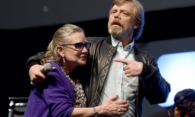 Carrie FIsher junto a Mark Hamill