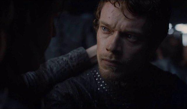 Alfie Allen como Theon Greyjoy en Juego de Tronos