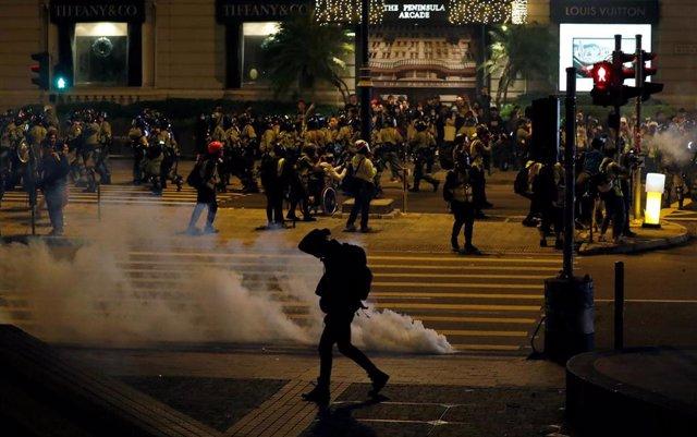 Imagen de las protestas contra el Gobierno durante la víspera del día de Navidad en Hong Kong.