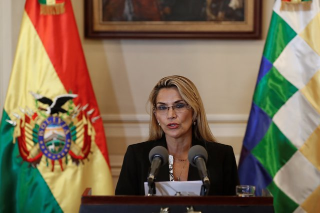 La autoproclamada presidenta interina de Bolivia, Jeanine Añez