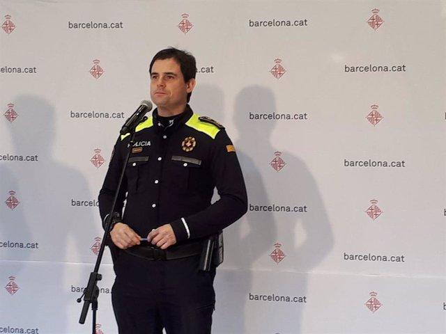 El portaveu de la Guàrdia Urbana, Jordi Oliveras, informa sobre el dispositiu de seguretat per a la nit de Cap d'Any.