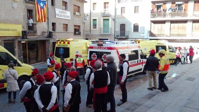 Una explosió durant la Festa del Pi de Centelles (Barcelona) causa diversos ferits.