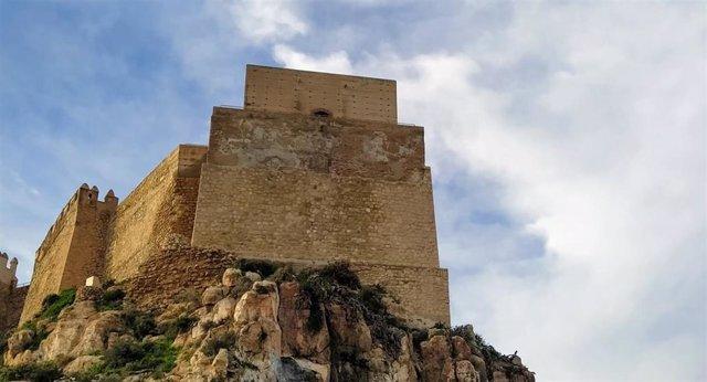 Obras ejecutadas en la Torre de El Saliente de La Alcazaba