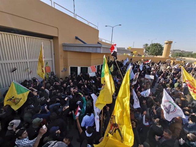 Protestas ante la Embajada de Estados Unidos en Irak