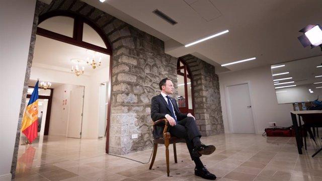 El cap de Govern d'Andorra, Xavier Espot, durant l'enregistrament del missatge de finalització d'any 2019