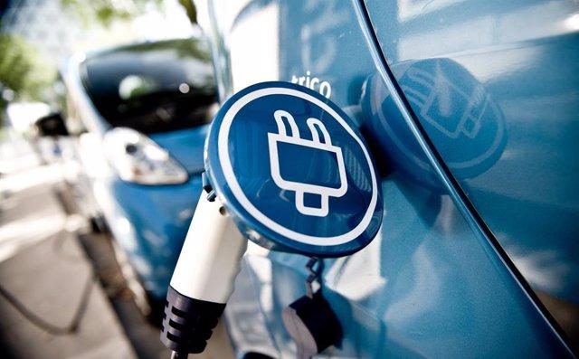 Punto de recarga de coches eléctricos.