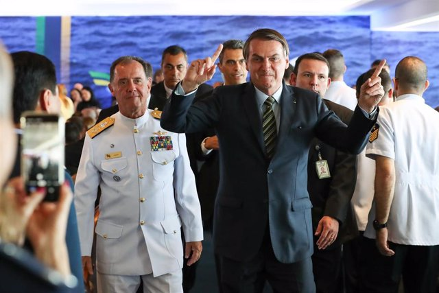El presidente de Brasil, Jair Bolsonaro, durante una ceremonia de graduación de las Fuerzas Armadas, celebrada en el Palacio de Planalto, la sede de Gobierno situada en Brasilia.
