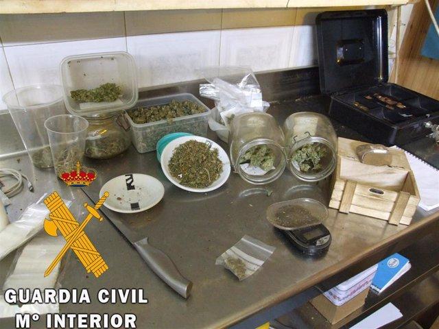 Marihuana decomisada en el interior del inmueble