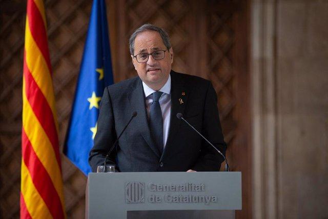 El president català, Quim Torra, durant la seva compareixença al Palau de la Generalitat per valorar la inhabilitació del Tribunal Superior de Justícia de Catalunya per a Barcelona (Catalunya, Espanya), 19 de desembre del 2019.