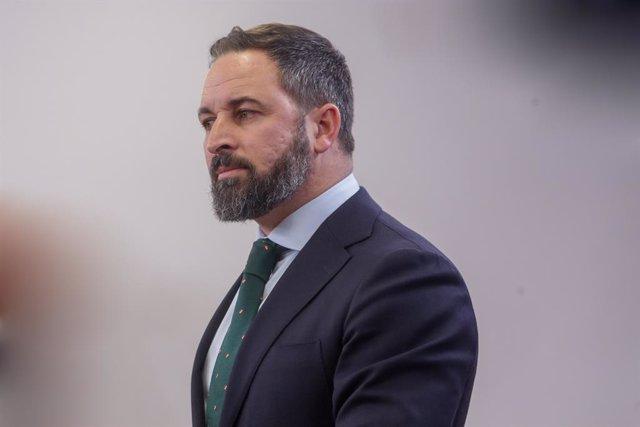 El president de Vox, Abascal, ofereix una roda de premsa al Congrés dels Diputats després de la seva consulta amb el rei sobre una possible investidura del candidat socialista com a President del Govern, a Madrid (Espanya), 11 de desembre del 2019.