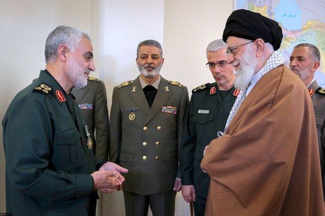 El general Qasem Soleimani junto al ayatolá Alí Jamenei