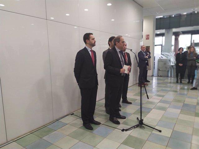 El president de la Generalitat, Quim Torra, visita l'Agència de Ciberseguretat de Catalunya juntament amb el conseller de Polítiques Digitals i Administració Pública, Jordi Puigneró.