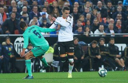 El Sevilla defiende la tercera posición ante un Athletic al borde de Europa