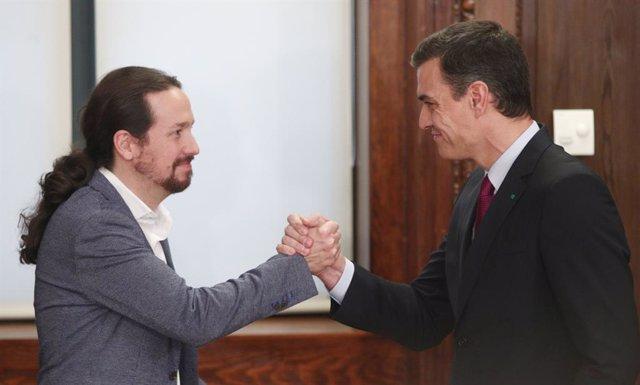 El president del Govern en funcions, Pedro Sánchez (dreta) en una imatge d'arxiu.
