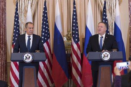 """Irak.- Pompeo asegura a Lavrov que EEUU está comprometido con la """"desescalada"""" pese al ataque contra Soleimani"""