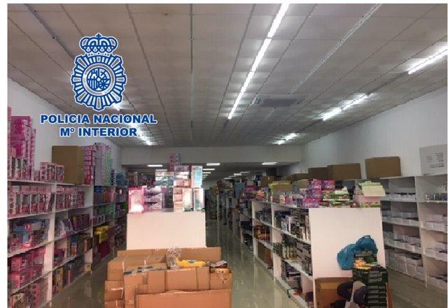 La Policía Nacional Interviene Más De 9.000 Juguetes Falsificados En Sendas Naves De Torredelcampo (Jaén) Y Fuenlabrada (Madrid)