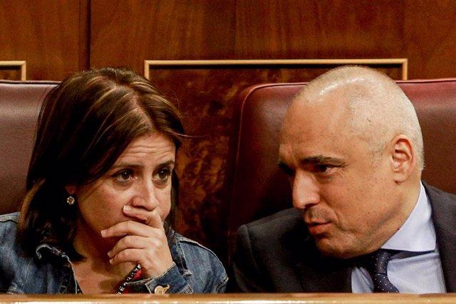 La portaveu parlamentària del PSOE, Adriana Lastra i el portaveu del PSOE al Congrés, Rafael Simancas