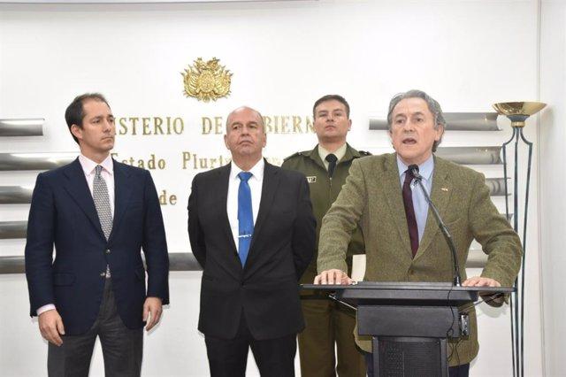Arturo Murillo, Hermann Tertsch y Víctor González Coello de Portugal