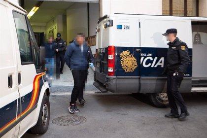 Prisión provisional comunicada y sin fianza para el detenido por la muerte de un hombre en la zona de Atalayas