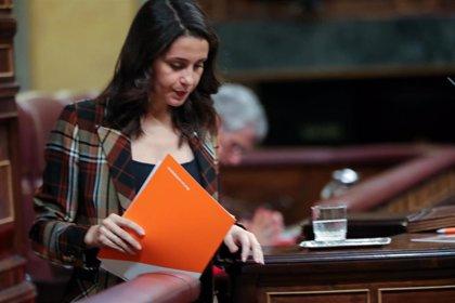 Sánchez pide a Cs que no sea apéndice de PP y Vox y Arrimadas le acusa de despreciar al constitucionalismo
