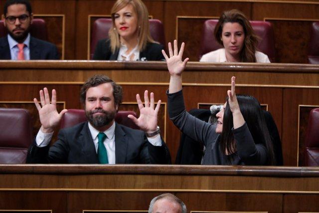 Resultado de imagen de derecha gritando congreso
