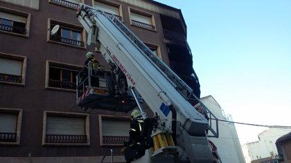 Mueren dos personas y otras cinco resultan heridas tras un incendio en un edificio en Hellín