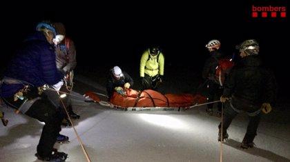Un alpinista grave al caer 200 metros por un glaciar del Pas dels Gosolans (Lleida)