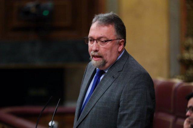 El diputat de Frum Astúries al Congrés, Isidro Martínez Oblanca, intervé en la segona sessió del debat d'investidura