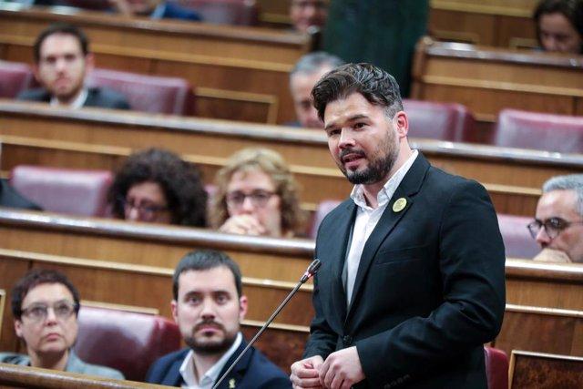 El portavoz adjunto de ERC en el Congreso de los Diputados, Gabriel Rufián, interviene desde su escaño
