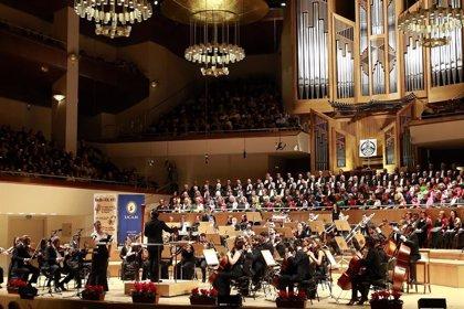 Ainoha Arteta ilumina con la Sinfónica de la UCAM el Año Nuevo en Madrid