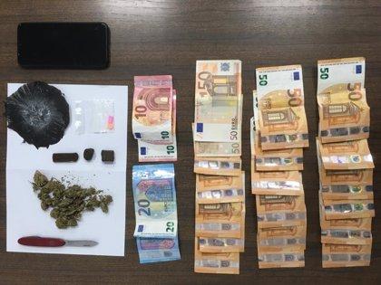 Policía Nacional y Policía Local detienen a un hombre y a una mujer al ser intervenidos con drogas en Palma
