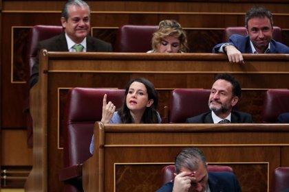 "Arrimadas acusa a Sánchez de buscar ""debates broncos y polarización"", en vez de moderación"