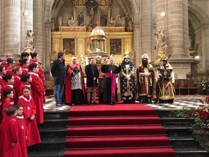 Los Reyes Magos llegan a Jaén, donde repartirán esta tarde hasta seis toneladas de caramelos