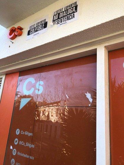 """Cs denunciará un ataque a su sede en Sitges (Barcelona) y no dará """"ningún paso atrás"""""""
