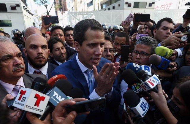Venezuela.- Los aliados internacionales de Guaidó rechazan su destitución como p