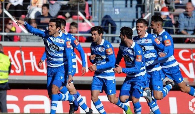 Fútbol/Segunda.- (Crónica) El Deportivo abre 2020 con victoria y a cuatro puntos