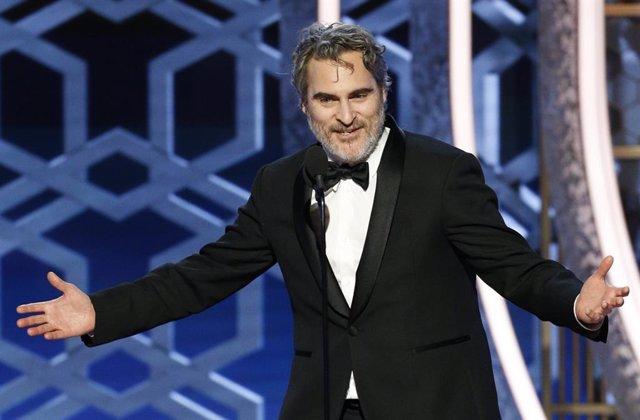 Joaquin Phoenix en los Globos de Oro