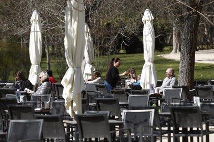 La actividad del sector servicios español alcanzó en diciembre su mayor aumento en nueve meses