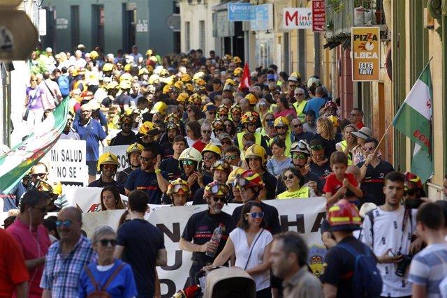 Imagen de archivo de una manifestación de bomberos en Málaga
