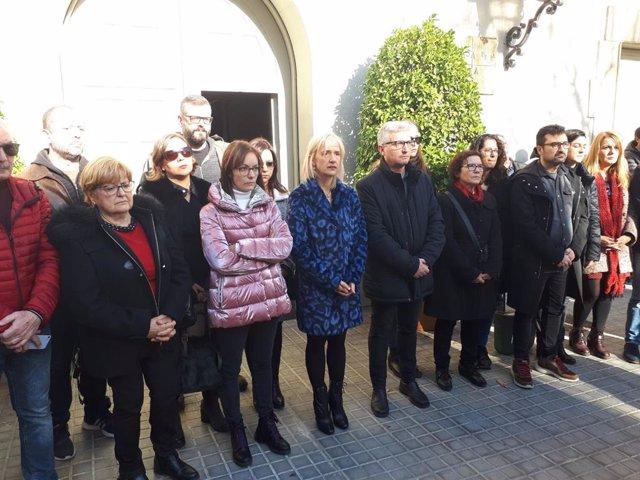 Esplugues (Barcelona) guarda cinc minuts de silenci pel doble assassinat masclista