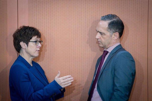 La ministra de Defensa alemana, Annegret Kramp-Karrenbauer, y el ministro de Exteriores, Heiko Maas