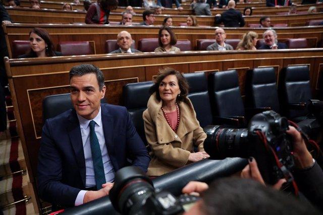 El president del Govern espanyol en funcions, Pedro Sánchez i la vicepresidenta, Carmen Calvo