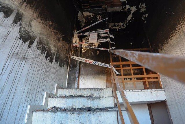 Dos morts i un nadó a l'UCI per l'incendi d'un pis a Huelva