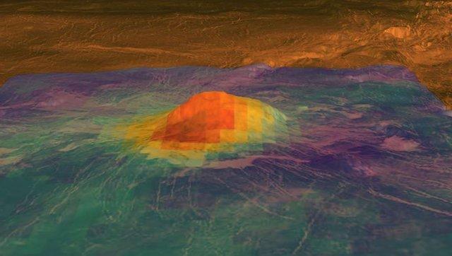 Imagen infrarroja de volcán en Venus