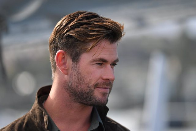 26 June 2019, Australia, Sydney: Australian actor Chris Hemsworth poses for a photograph during the Tag Heuer Autavia Collection launch at the Sydney Seaplanes Terminal. Photo: Steven Saphore/AAP/dpa