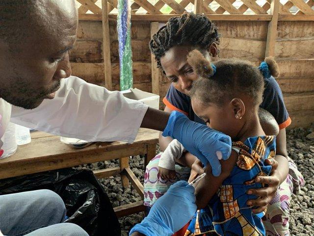 Vacunación contra el sarampión en República Democrática del Congo